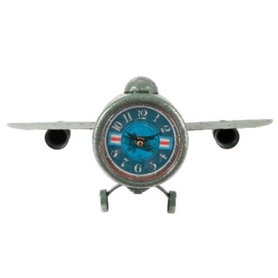 Nosztalgikus repülő órával