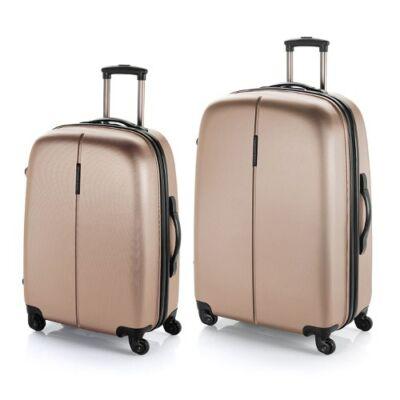 A bézs bőröndök