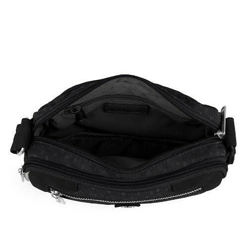 A táska belülről