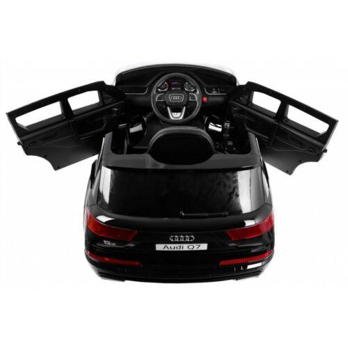 Audi Q7 2.4G LIFT elektromos kisautó gyerekeknek (távirányítóval, 1 személyes) belülről