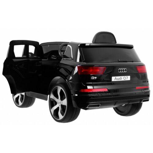 Audi Q7 2.4G elektromos kisautó gyerekeknek (távirányítóval, 1 személyes) matt fekete, oldalról
