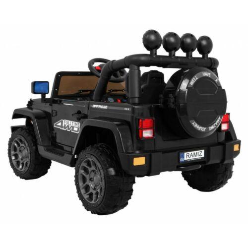 Full Time off-road 4WD elektromos kisautó gyerekeknek (távirányítóval, 1 személyes) oldalról