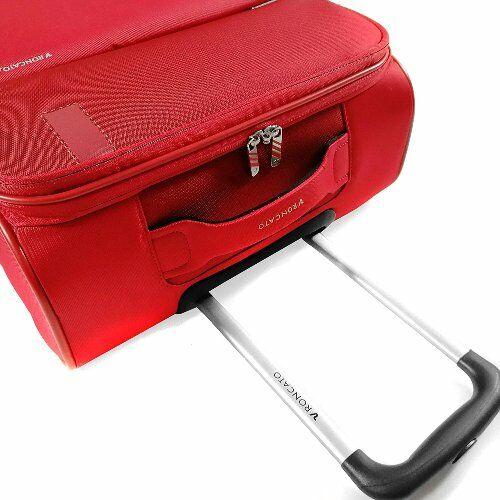 bőrönd részlet